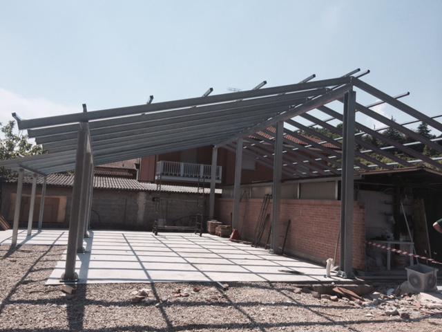 Struttura per capannone in ferro zincato carpenteria - Struttura in ferro per casa ...