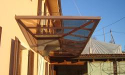 Pensilina con copertura in lexan brunito