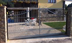 Cancello scorrevole curvo zincato
