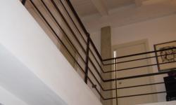 Scala con barriera su soppalco carpenteria metallica leggera